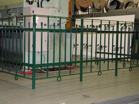 C m genova produzione ringhiere interni esterni ferro battuto balconi parapetti scale zincate - Scale in ferro zincato per esterni prezzi ...