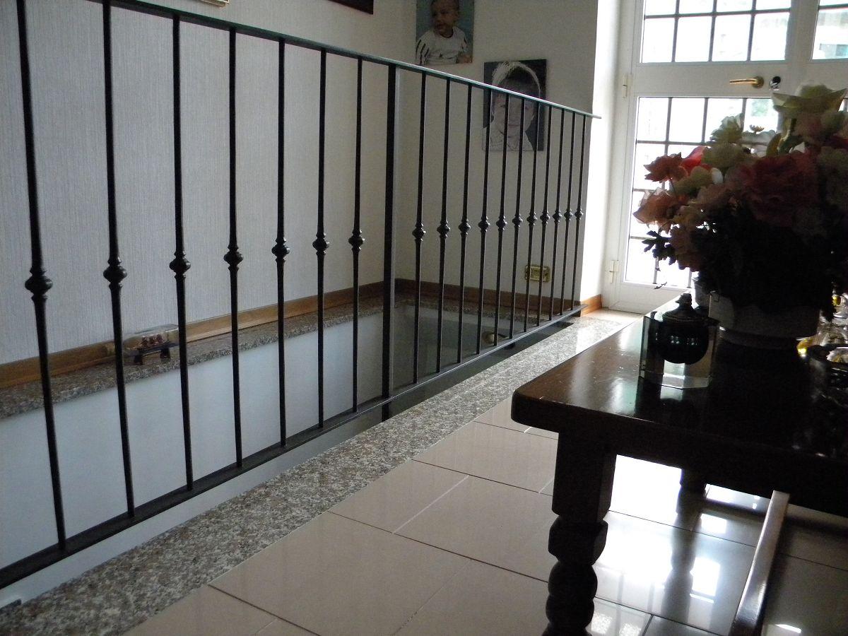 C m genova produzione ringhiere interni esterni ferro - Ringhiere in ferro battuto per balconi esterni ...